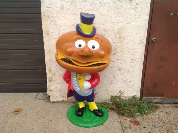 Nggak Cuma Ronald McDonald, Dulunya si Badut McD Ini Punya Banyak Teman 5